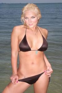brooke-hogan-bikini